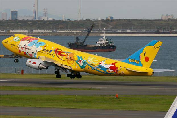 All_Nippon_Airways_Boeing_747-400_yellow_pokemon_622x414