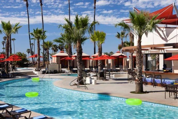 flirting games at the beach hotels on the beach las vegas