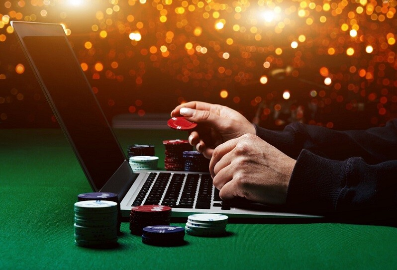Can online gambling become a passive source of income? | GamesReviews.com